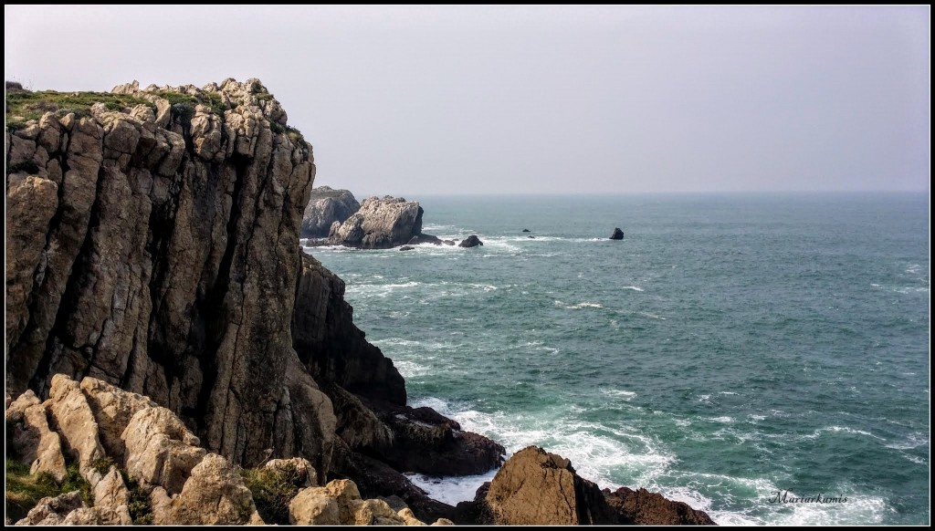 Playa-de-Cerrias020-1024x582 La Costa Quebrada (Cantabria) Rutas