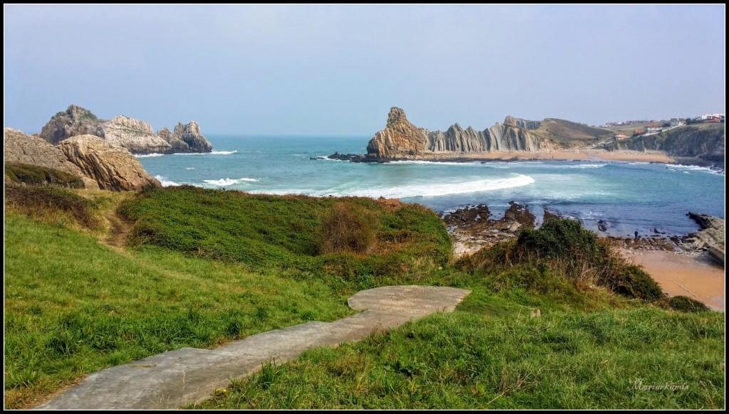 Playa-de-Cerrias601-01-1024x582 La Costa Quebrada (Cantabria) Rutas