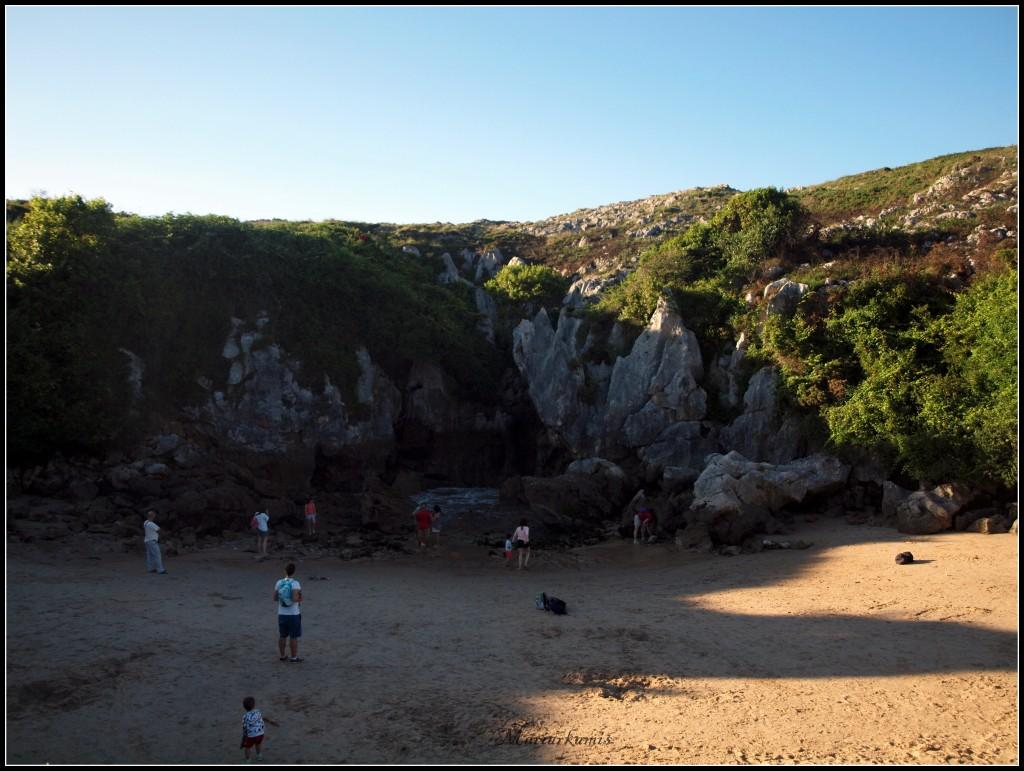 Playa-Gulpiyuri548-1024x771 Ruta por Asturias: Lastres, Gulpiyuri, los bufones de Pria... Viajes