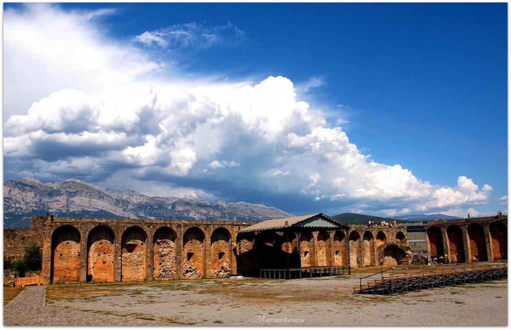 Ainsa580-01-1024x662 Valle de Benasque. DIA 1 Viajes