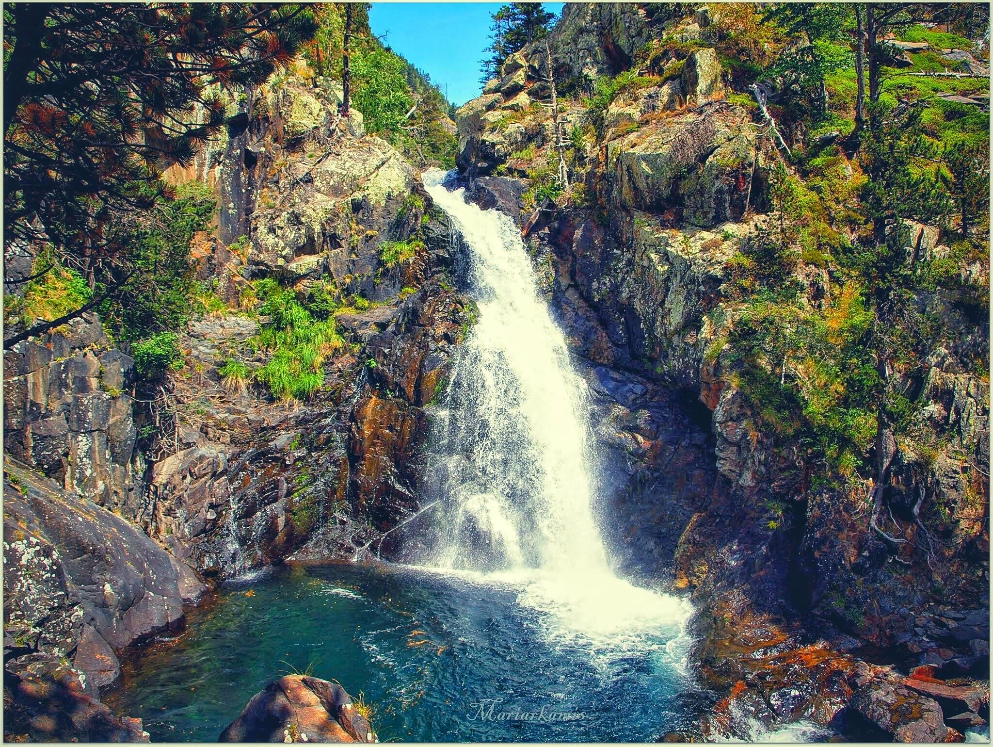 P8187765-02-01 Valle de Benasque. Gorgas del Alba. Viajes