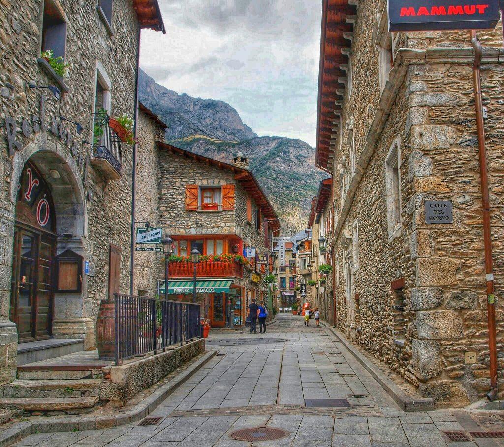 P8187813-01-02-1024x908 Valle de Benasque. Gorgas del Alba. Viajes