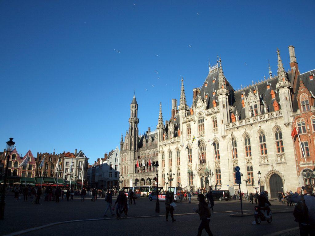 Grote-Mark-Palacio-Provincia423-1024x768 4 días en Gante y Brujas. Día 3: Visitamos Brujas Viajes