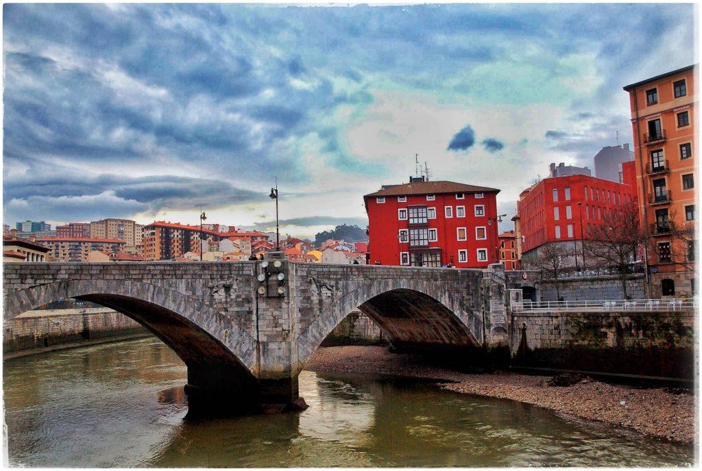 P2118803-01-1024x688 Turisteando por Bilbao Rincones