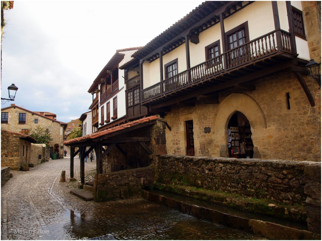 Santillana-325-1024x769 Un Bosque de Secuoyas en Cantabria!. Rutas