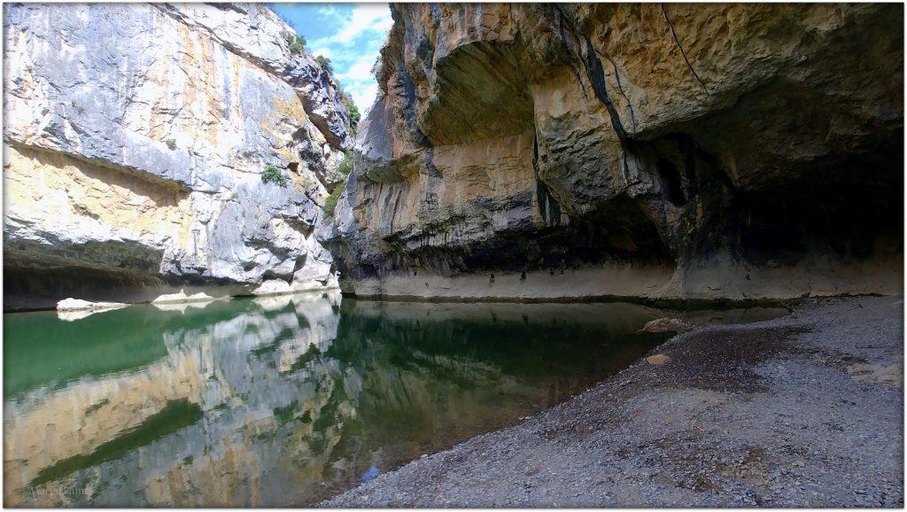 20170708_113203_Burst01-1-1024x578 Navarra. Dia 1: Foz de Lumbier y Selva de Irati Viajes