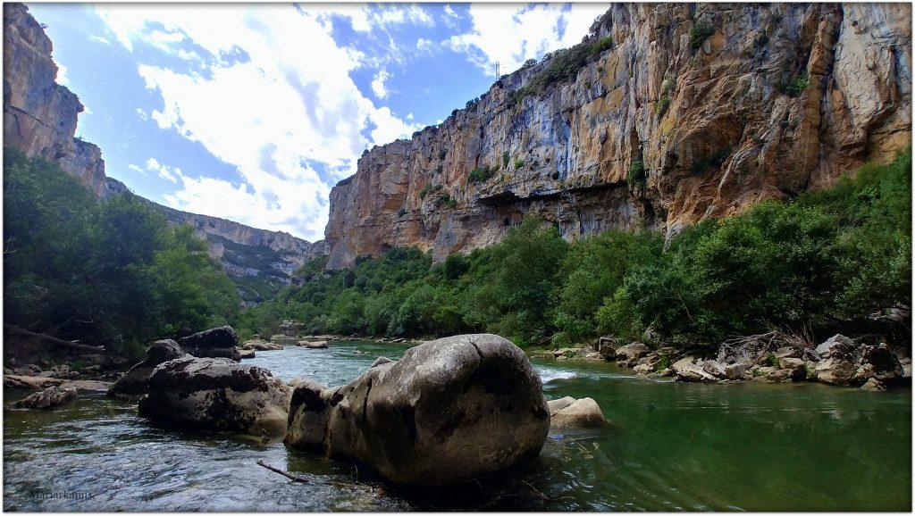 20170708_113453_HDR-1-1024x578 Navarra. Dia 1: Foz de Lumbier y Selva de Irati Viajes
