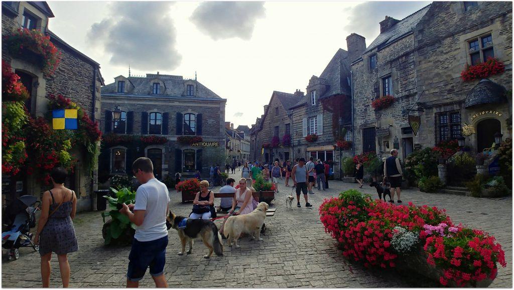 4Rochefort-en-terre536-1024x579 5 Pueblos de Bretaña que nos han enamorado! Viajes