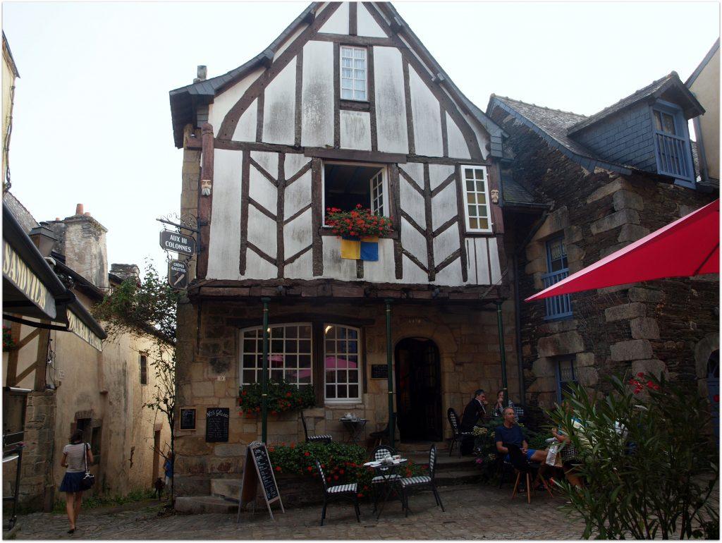 4Rochefort-en-terre697-1024x770 5 Pueblos de Bretaña que nos han enamorado! Viajes