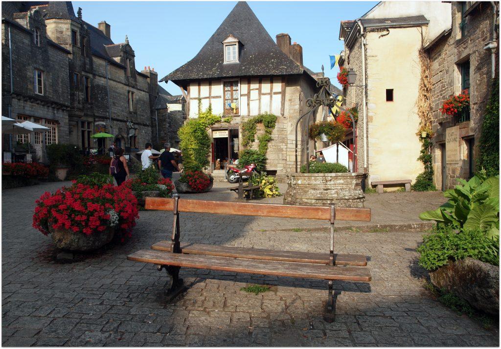 4Rochefort-en-terre723-1024x715 5 Pueblos de Bretaña que nos han enamorado! Viajes