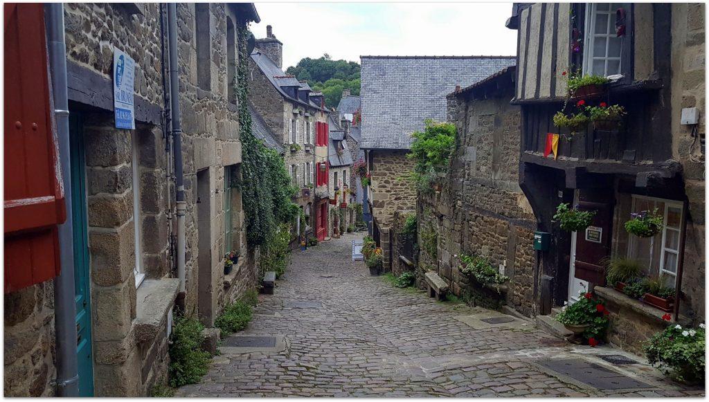7Dinan050-1024x581 5 Pueblos de Bretaña que nos han enamorado! Viajes