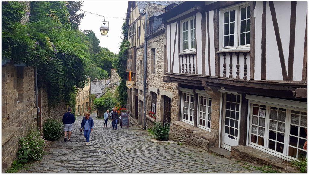 7Dinan753-1-1024x581 5 Pueblos de Bretaña que nos han enamorado! Viajes