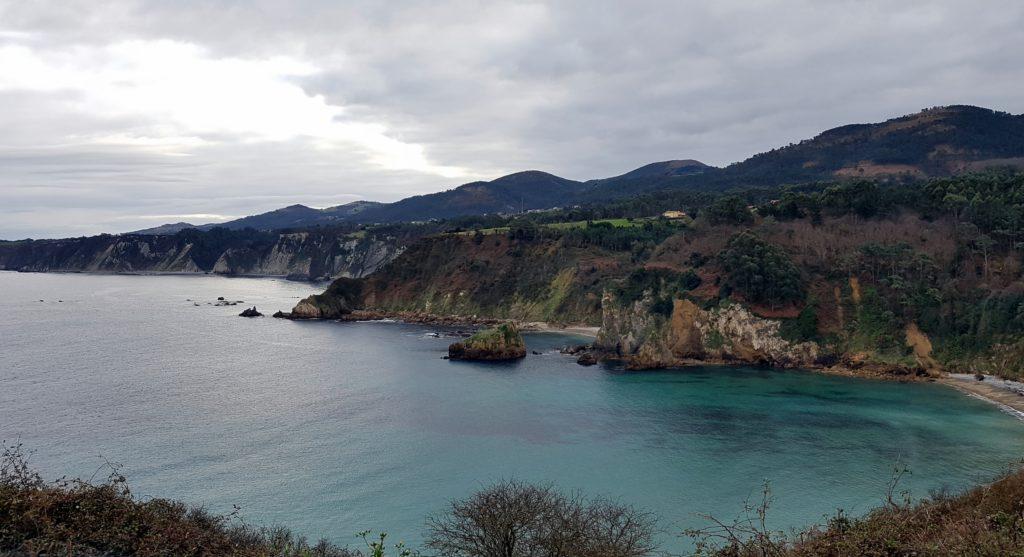 Luarca-Capilla-de-la-Regalina211-1024x557 Un finde en Xixón - Gijón (Asturias) Viajes