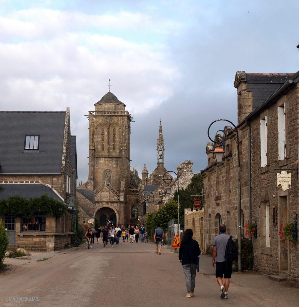 5Locronan828-998x1024 Ruta por Bretaña y Normandía en coche (1ª parte) Viajes