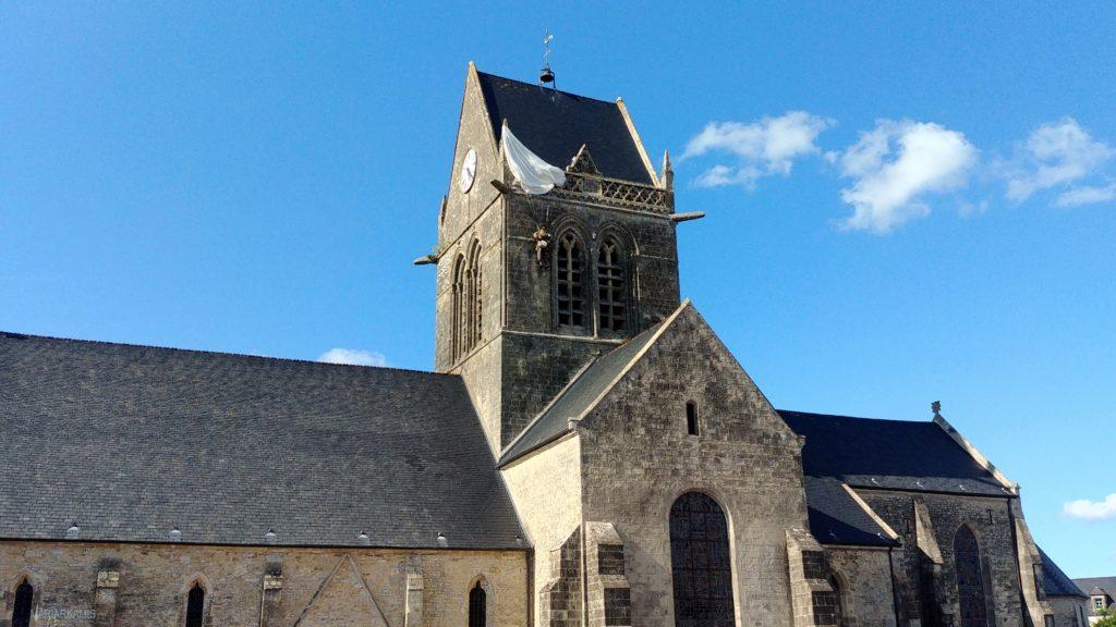 8Sainte-Marie-Eglise207-1024x576 Ruta por Bretaña y Normandía en coche (2º parte) Viajes