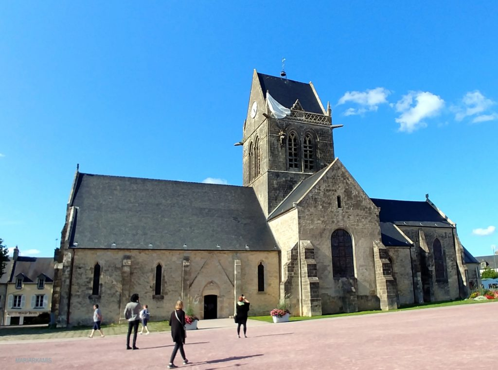 8Sainte-Marie-Eglise212-1024x761 Ruta por Bretaña y Normandía en coche (2º parte) Viajes