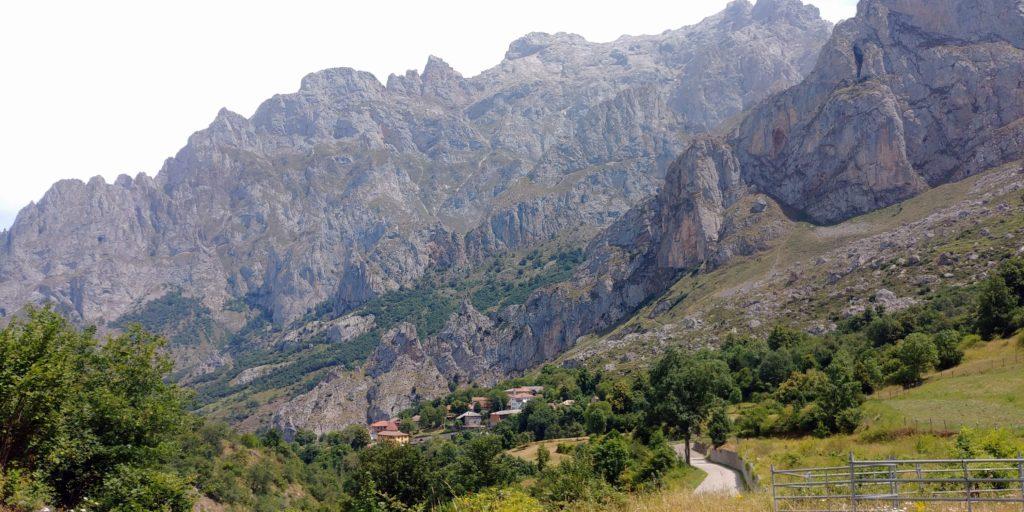 23Cariceña715-1024x512 3 días de ruta por Riaño y el Valle de Valdeon Viajes